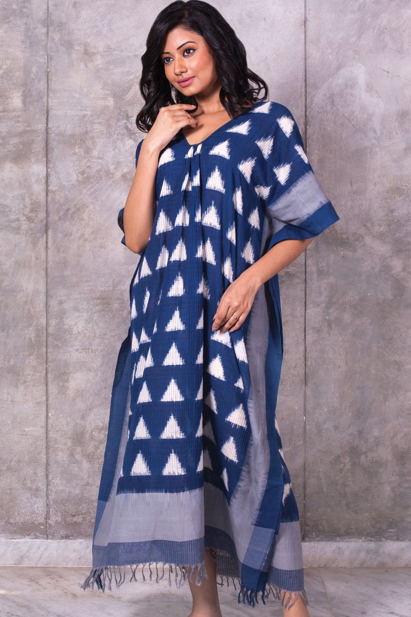 How to wear a kaftan dress style this summer?