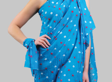 Sarong: an indispensable part of any woman's wardrobe